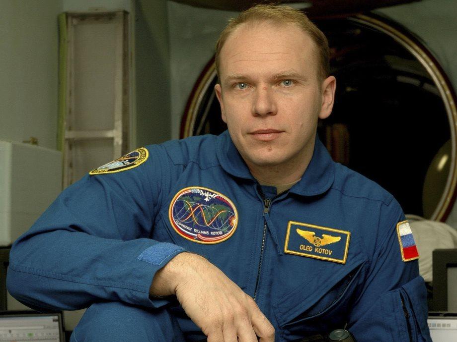 Олег Котов